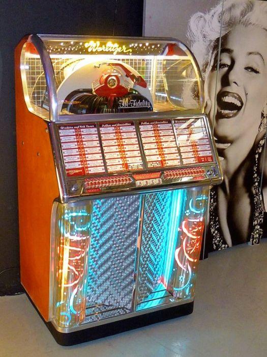 Wurlitzer Jukebox 1700 - 1954